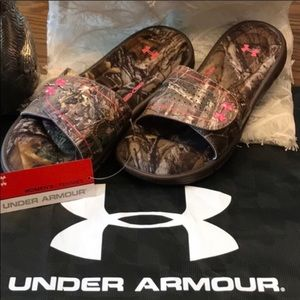UNDER ARMOUR slides Sandal flats pink CAMO NWT 10
